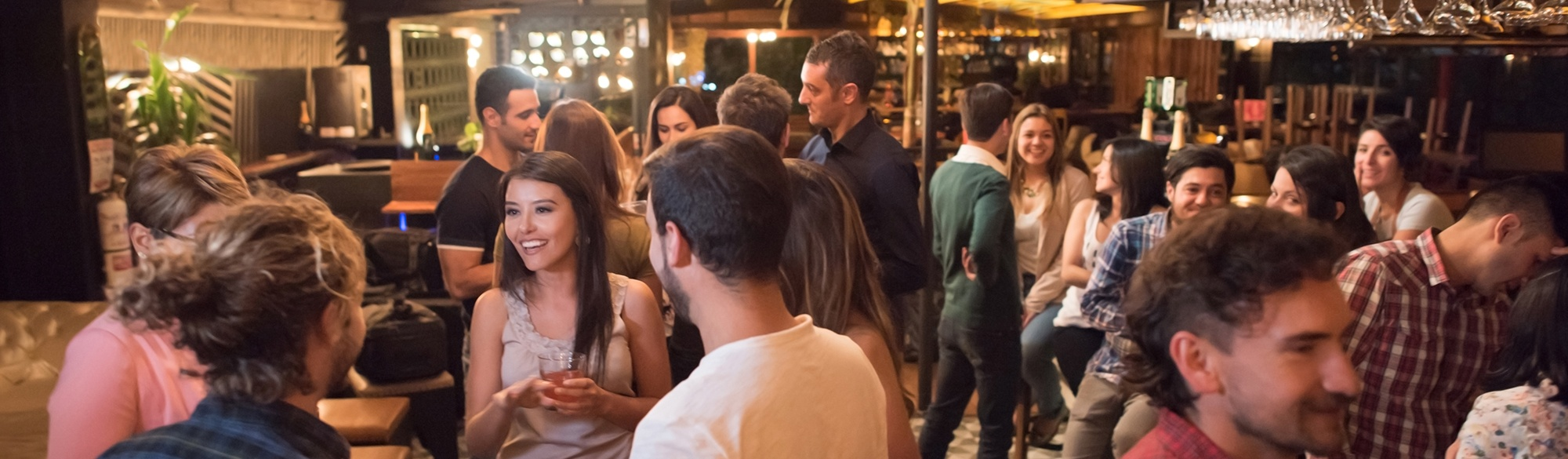 Crowd header with drinks